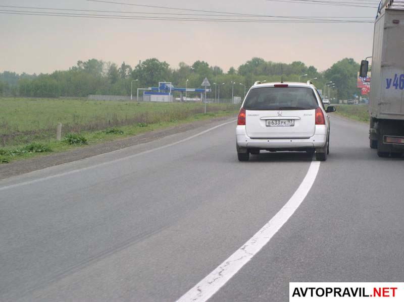 Обгон грузовика легковым автомобилем