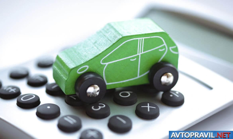 Деревянная модель авто на калькуляторе